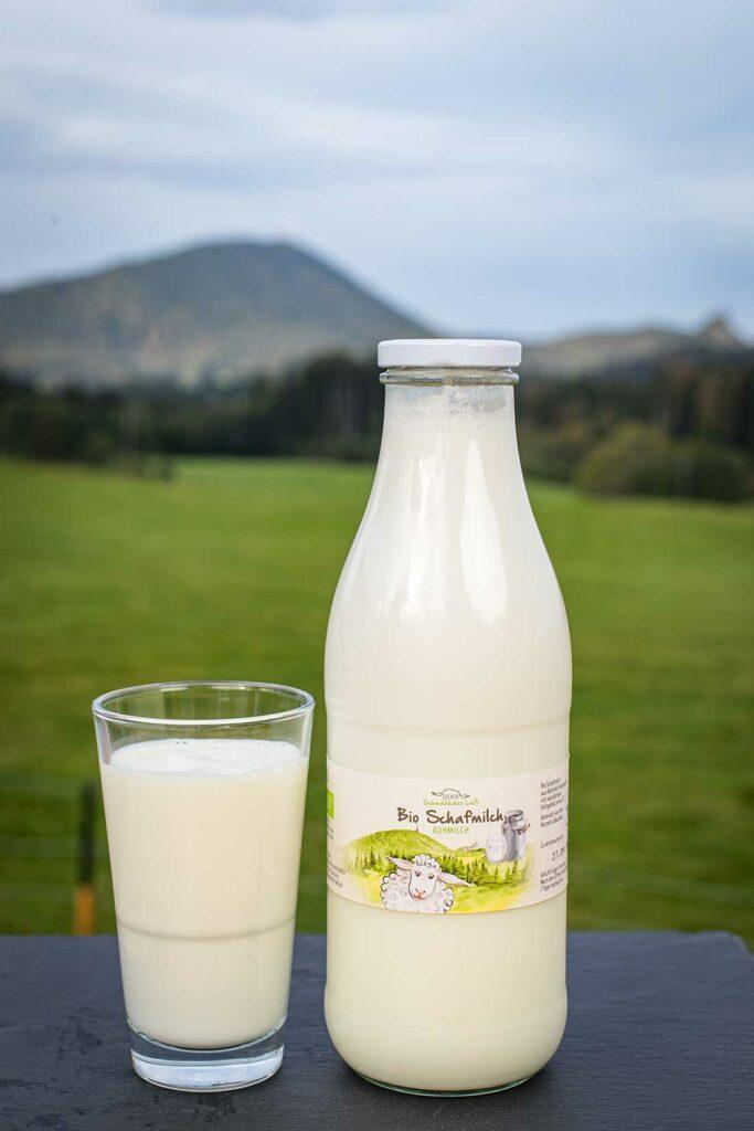 Bio Schafmilch aus Salzburg - Schafmilch Ließ in Hof stellt auf seinem Bauernhof Bio Schafmilchprodukte